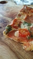 pizza_on_wood